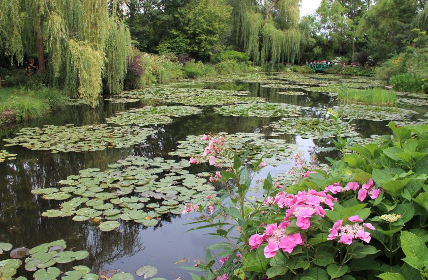 Monet in Paris & Giverny