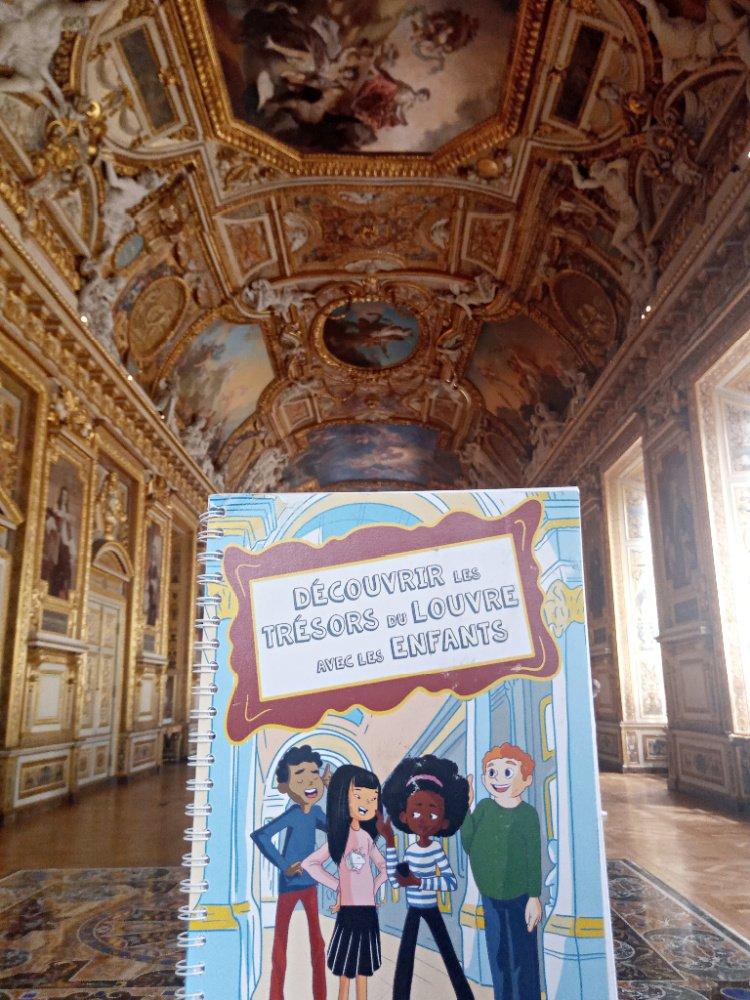 Livre Découvrir le Louvre avec le enfants